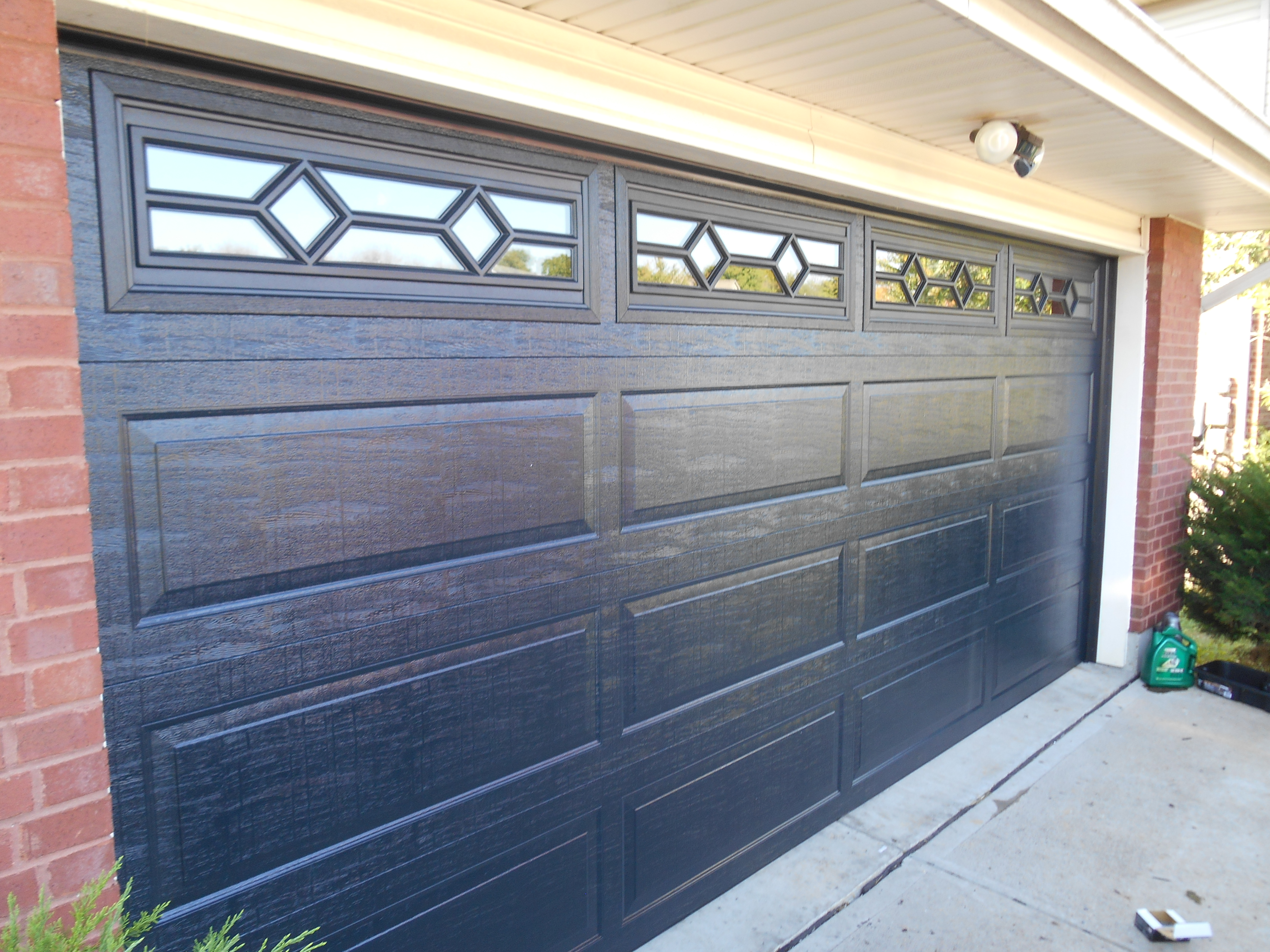 Thermacore 198 series with waterton II window trim. Color: Black