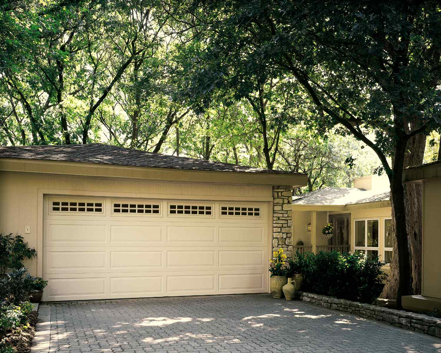 Traditional steel non-insulated and insulated garage doors - residential